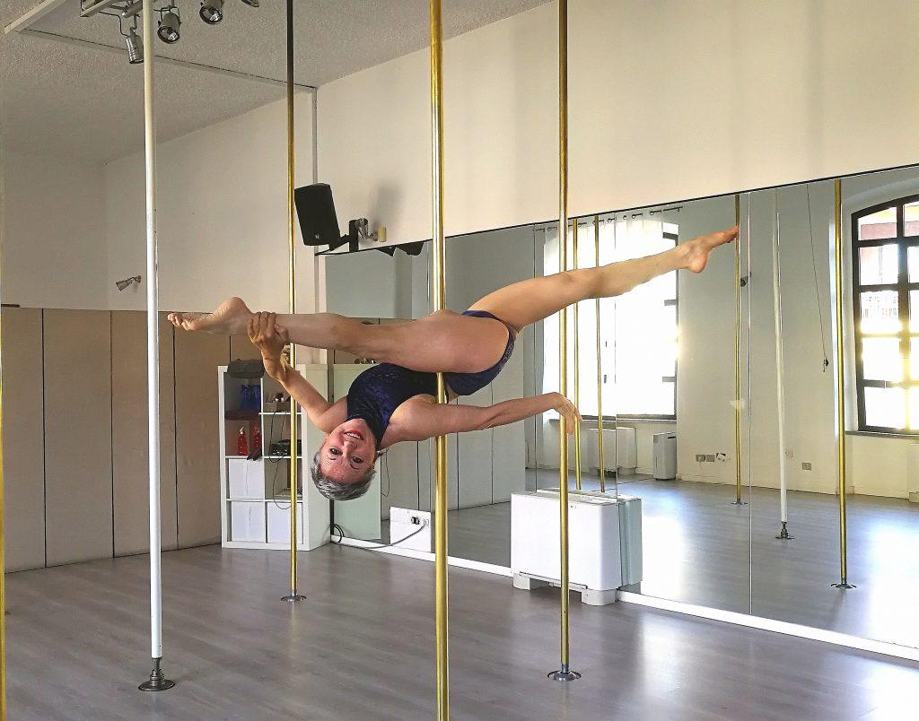 cambio vita e faccio la pole dancer